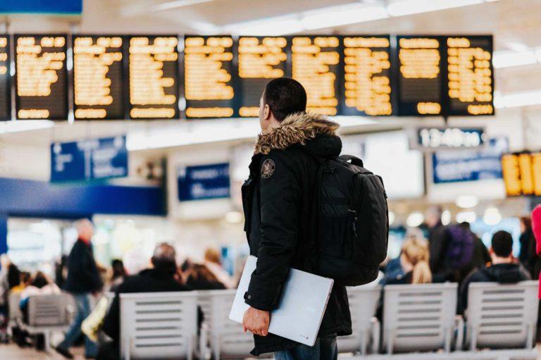 Nødlader og powerbanks på fly, hva er lov? vi har svaret
